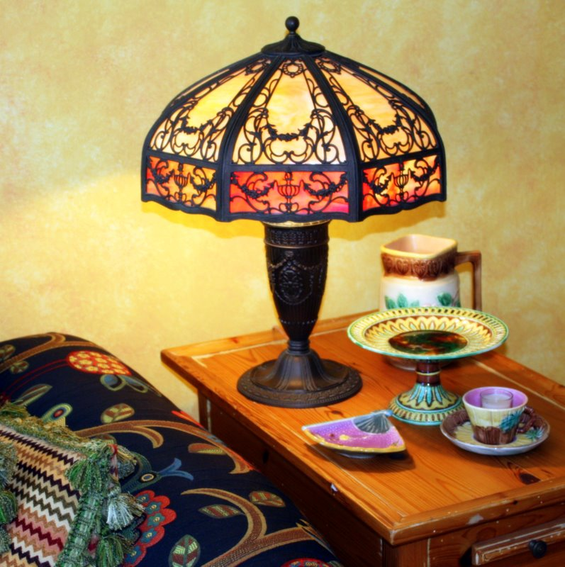 Great A Beautiful Leaded Glass Or Stained Glass Hanging Lamp In The Breakfast  Nook With Some Of My Momu0027s Majolica Collection In The Background: