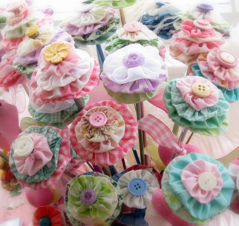 Mitzismiscellany_yoyo_flowers_1