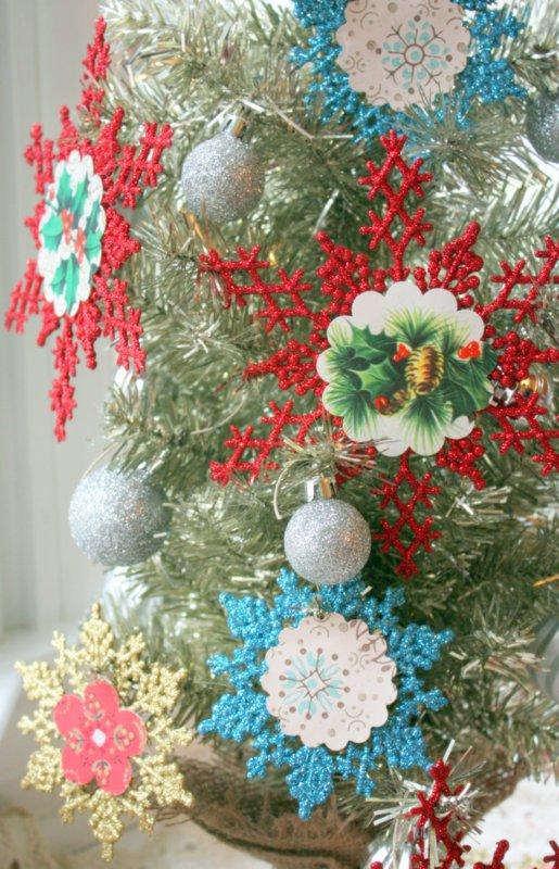 Mitzismiscellany_snowflake_ornaments