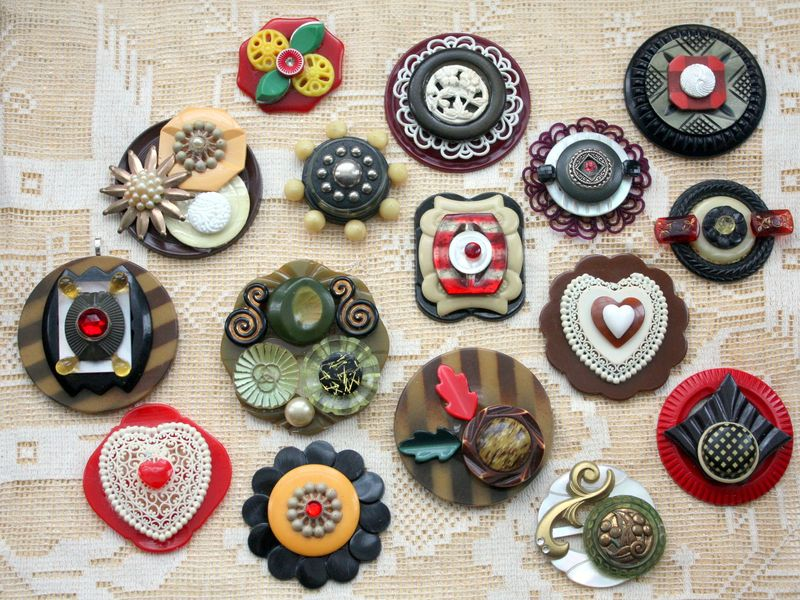 Mitzismiscellany_button_jewelry