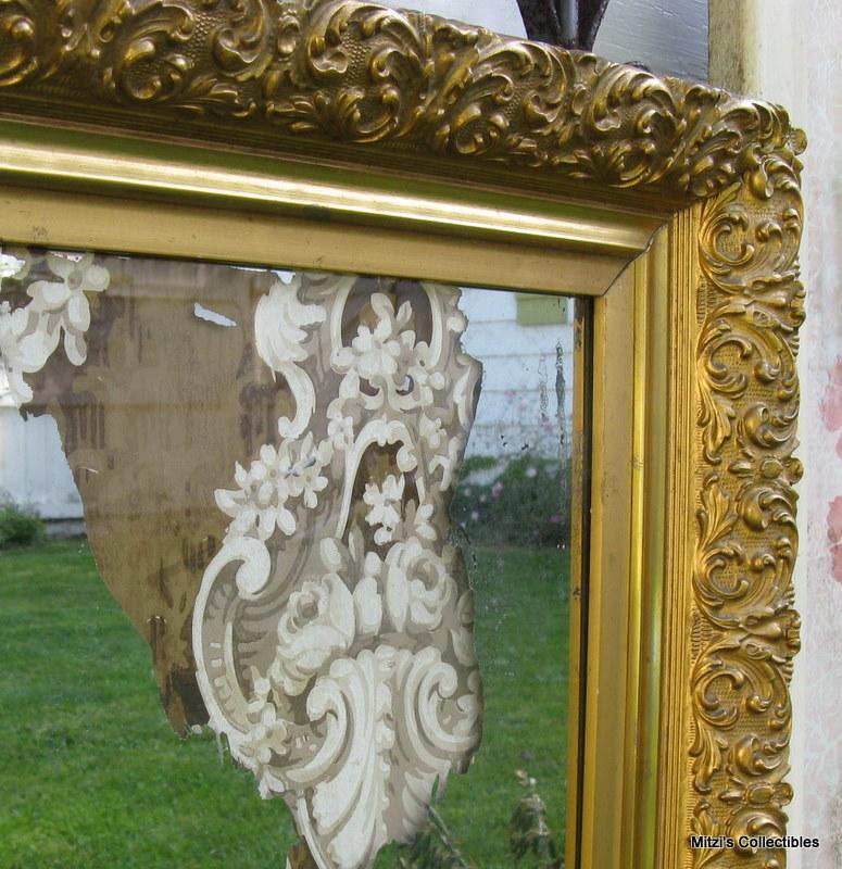 Mitzismiscellany_gold_wallpaper_mirror