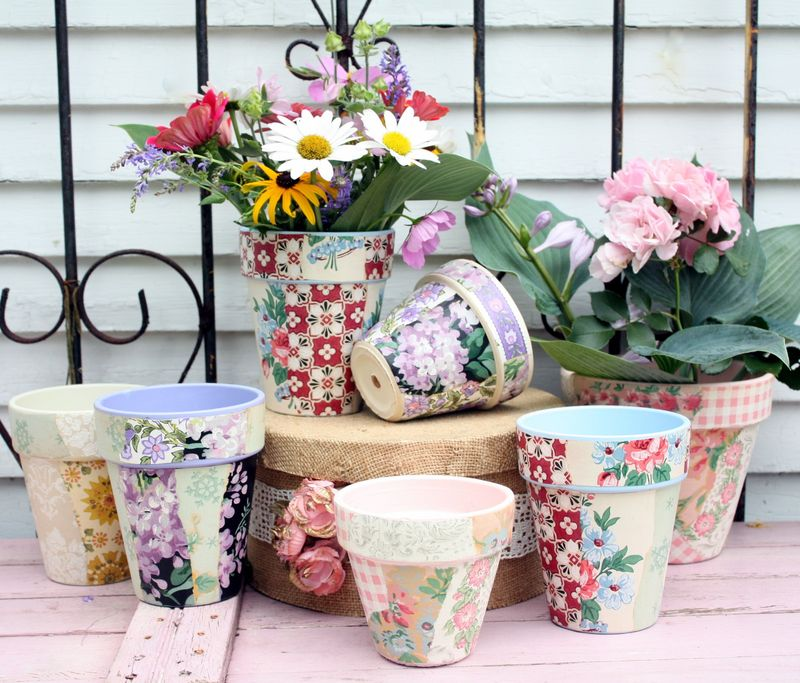 Mitzismiscellany_wallpaper_flowerpots1