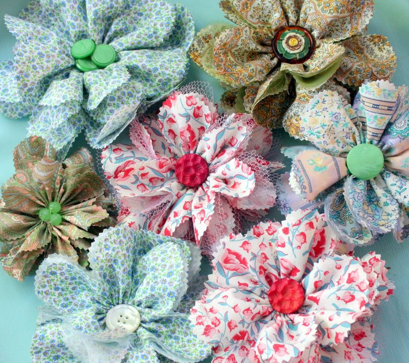 Mitzismiscellany_fabric_flower_group2